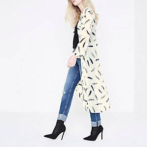 RI feather print duster